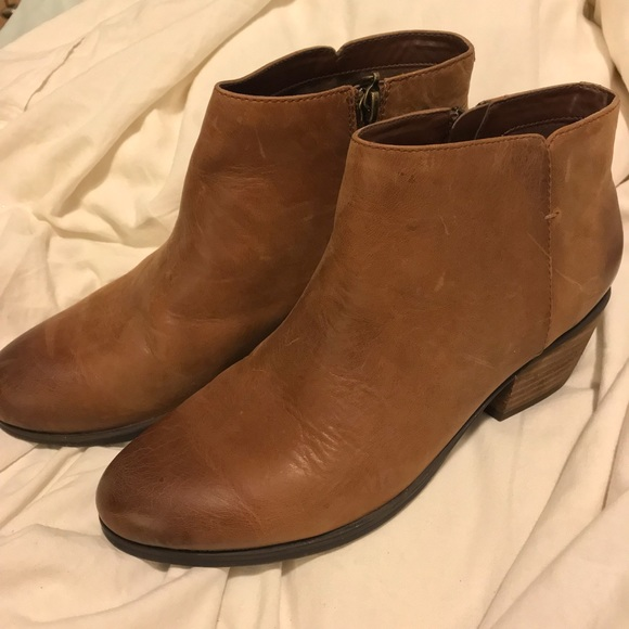 a8eae47f Clark's Addiy Zora booties (new)